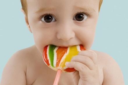 Đường hay những thực phẩm ngọt không làm bé chậm phát triển nhưng bạn phải biết cách phân bổ chúng trong những bữa ăn sao cho thích hợp nhất.