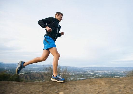 Bài tập chạy sẽ đốt cháy mỡ thừa giúp đôi chân thon gọn hơn