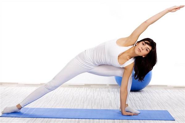 Tập luyện thể thao sẽ giúp bạn nhanh chóng lấy lại vóc dáng thon gọn của mình