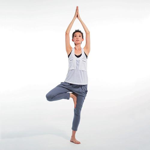 Bí quyết tăng chiều cao của người mẫu Linh Chi chỉ với 10 dộng tác đơn giản