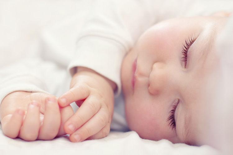Giấc ngủ của trẻ sơ sinh thường dài hơn các giai đoạn phát triển khác