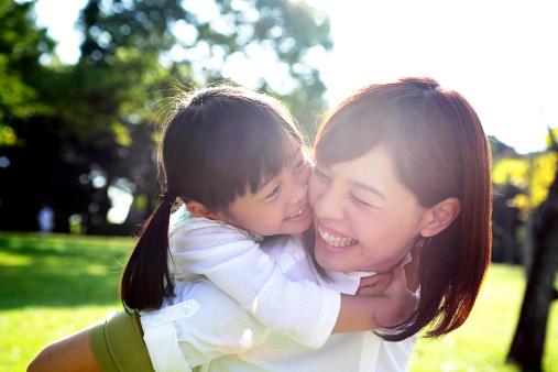 Cho con lớn lên trong môi trường xã hội trong lành