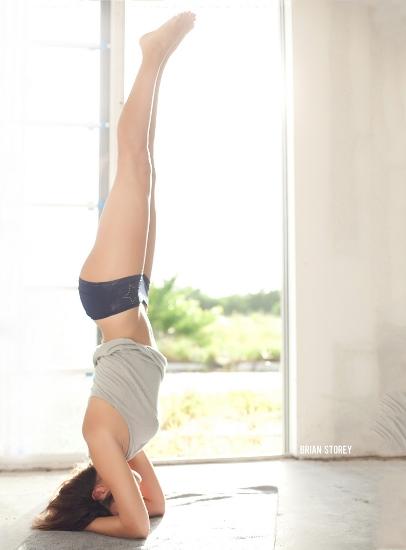 Làn da trắng sáng hơn với 8 bài tập yoga làm đẹp da 03