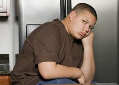 Con trai tôi 14 tuổi, nặng 90kg. Xin bác sĩ tư vấn cho tôi chế độ dinh dưỡng, giảm cân.