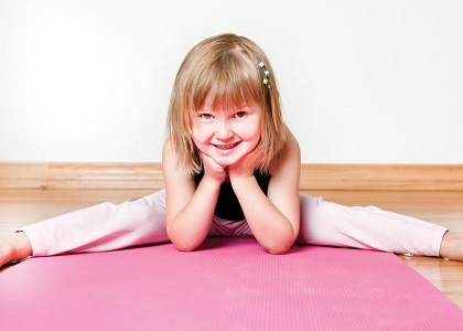 Yoga cũng có những bài tập dành riêng cho trẻ nhỏ. 3 bài tập yoga dưới đây sẽ hỗ trợ các bạn tối đa trong việc tăng chiều cao cho trẻ.