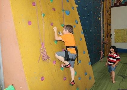 <a href='http://www.tvbuy.vn/cach-tang-chieu-cao/leo-nui-trong-nha-mon-the-thao-giup-tang-chieu-cao-cho-be-hieu-qua-380'>Leo núi trong nhà - môn thể thao giúp tăng chiều cao cho bé hiệu quả</a>