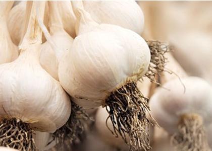 Bạn đang vật vã loại bỏ mỡ bụng? Thử bổ sung những thực phẩm sau được cho là có thể giúp giảm mỡ bụng và chống viêm sưng.