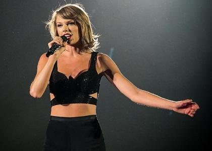 Với chiều cao thật nổi trội, công chúa nhạc đồng quê Taylor Swift khiến nhiều sao Nam bị lép vế khi đứng cạnh. Các mẹ phải học ngay bí quyết tăng chiều cao của Taylor để tăng chiều cao cho bé yêu thôi!