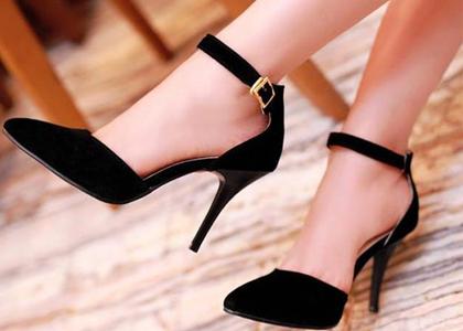 Phương pháp cải thiện chiều cao tức thời nhanh nhất chính là sử dụng những đôi giày cao gót, đây sẽ là cách tốt nhất và nhanh nhất giúp chị em không phải tự ti vì chiều cao của mình nữa.