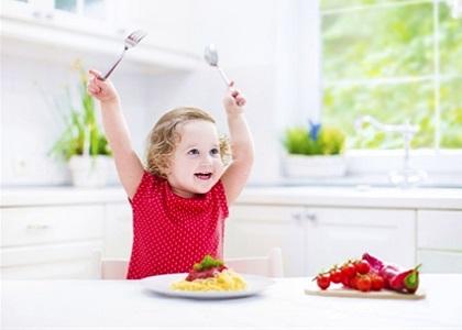 Khẩu phần ăn giúp tăng chiều cao cho bé theo độ tuổi… được xem là một trong những yếu tố quan trọng thúc đẩy quá trình tăng trưởng chiều cao của bé.