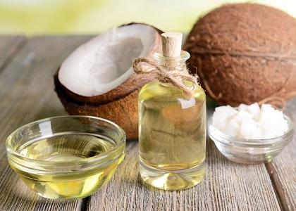 Không chỉ là loại thực phẩm tốt trong chăm sóc sức khỏe, dầu dừa còn có công dụng làm đẹp da mà ít ai biết đến.