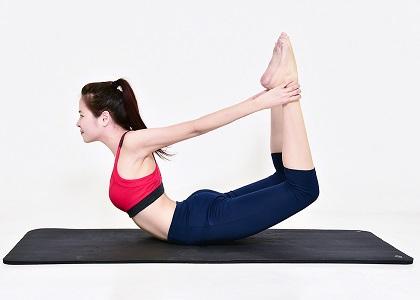 Thực tế cho thấy rằng các bài tập yoga khiến phụ nữ không chỉ trẻ hơn, đẹp hơn mà làn da của họ cũng tươi sáng. 8 bài tập yoga làm đẹp da dưới đây sẽ giúp bạn xua tan căng thẳng để có làm da mong ước.