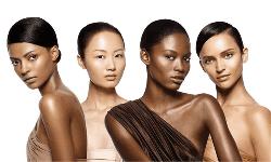 'Nhất dáng, nhì da' - câu nói của ông cha ta từ thời xưa đã khẳng định tầm quan trọng của làn da đối với vẻ đẹp của thiếu nữ Việt Nam. Vẻ đẹp của làn da thường liên quan đến ba yếu tố, đó là màu sắc, độ sáng và độ mịn. Quan trọng nhất trong ba yếu tố này là màu sắc của làn da.