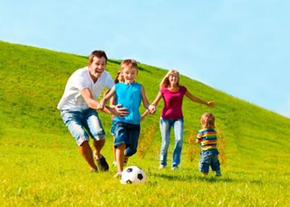 Những trò chơi cuối tuần thú vị giúp tăng chiều cao cho trẻ sẽ tạo cho các bậc phụ huynh có được những ngày cuối tuần vừa thoải mái lại bổ ích cho vấn đề tăng chiều cao của con mình.