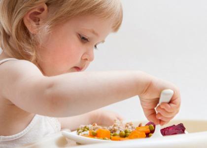Bố mẹ luôn muốn tìm cho con một phương pháp tăng chiều cao tối đa nhưng cũng đừng quên những chú ý cần thiết để tránh mắc sai lầm trong quá trình giúp trẻ tăng chiều cao.
