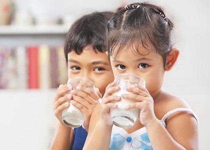 Canxi là nguyên tố vi lượng không thể thiếu khi tăng chiều cao cho bé. Vậy canxi hỗ trợ tăng chiều cao cho bé và việc bổ sung canxi cho trẻ như thế nào cho đúng? Hãy cùng chúng tôi tìm hiểu!