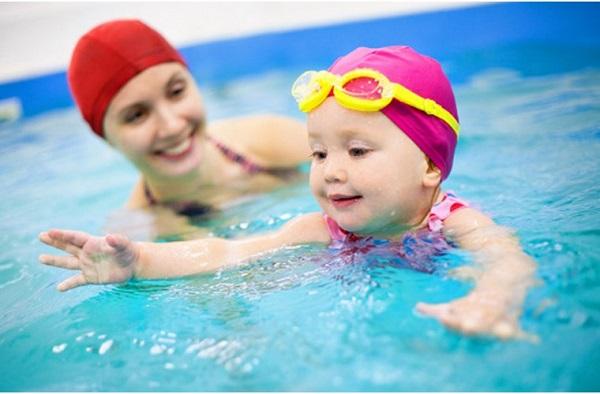 Bơi lội được xem là môn thể thao giúp tăng chiều cao hiệu quả.