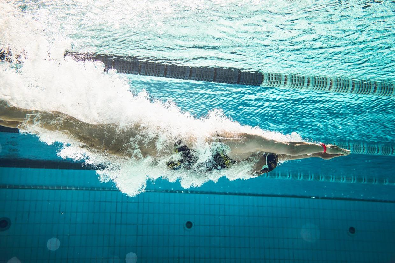 Để có thể phát triển chiều cao tốt nhất nên học bơi khi còn nhỏ