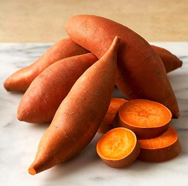 Khoai lang – nguồn cung cấp vitamin A giúp làm đẹp da tốt nhất cho cơ thể.