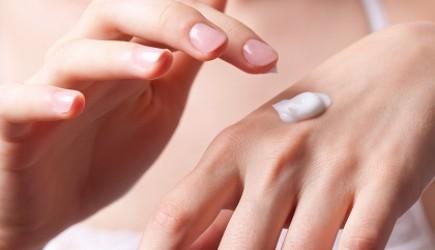 6 bí quyết chống lão hóa da tay