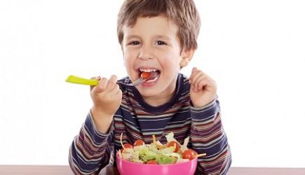 Tại sao bé ăn nhiều mà không cao