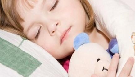 Tại sao đi ngủ sớm sẽ giúp trẻ tăng chiều cao