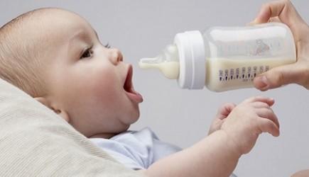Uống sữa đúng lúc và đúng cách để tăng chiều cao cho bé