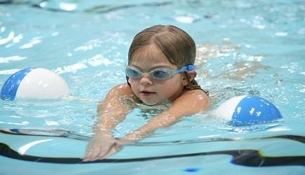 Vì sao bơi lội giúp tăng chiều cao?