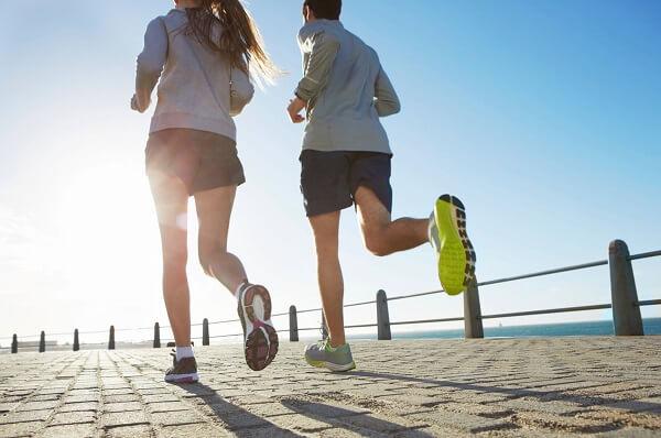 Chạy bộ kéo căng cơ cải thiện chiều cao