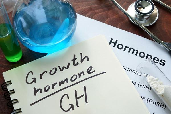 Hormone tăng trưởng có vai trò quan trọng trong phát triển chiều cao