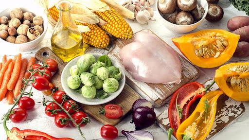 ở tuổi 14 nên ăn các loại thực phẩm cân bằng giữa chất béo , đạm, tinh bột , chất xơ và vitamin để tăng chiều cao hiệu quả