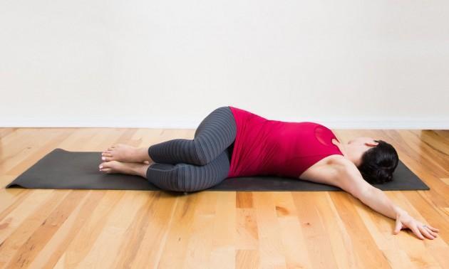 bài tập xoay hông tăng chiều cao trước khi đi ngủ