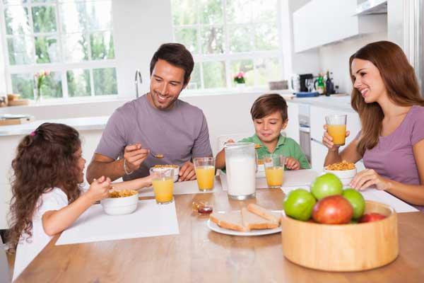 Mì tôm xào bò là món ăn ngon, giàu chất dinh dưỡng cho gia đình bạn