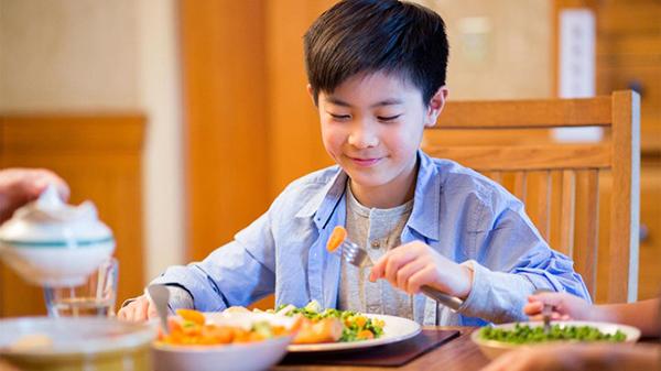 Đừng quên chăm chút chế độ dinh dưỡng hằng ngày cho trẻ