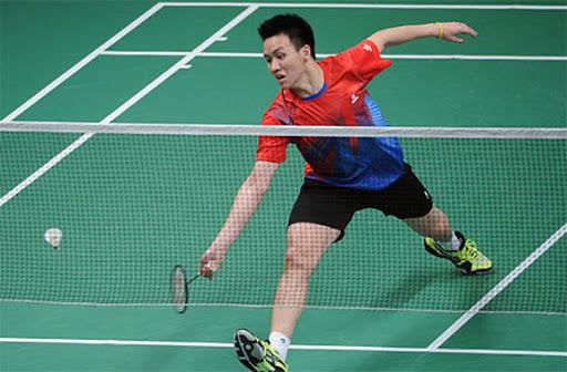 đánh cầu lông là môn thể thao yêu cầu nhiều sức khỏe , giúp cơ thể vận động dẻo dai tăng chiều cao