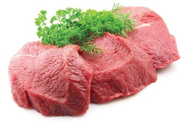 Thịt bò rất giàu protein khi ăn nhiều trẻ dễ mắc các bệnh về xương khớp