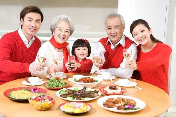 """Người Nhật thoát """"lùn"""" nhờ vào """"đầu tư"""" dinh dưỡng"""