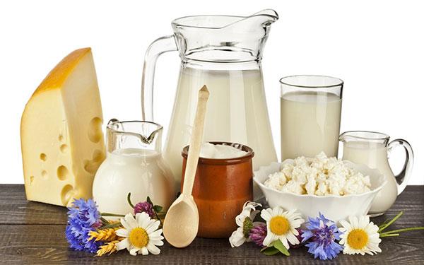 Người Nhật uống sữa và ăn các chế phẩm từ sữa mỗi ngày