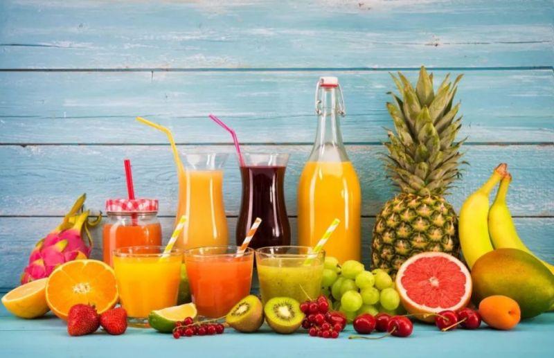 các loại nước ép trái cây như ôi, cà rốt cam.....cung cấp hàm lượng vitamin d và canxi dồi dào hỗ trợ phát triển chiều cao