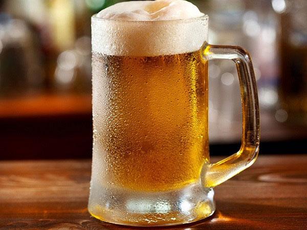 Bia rượu ảnh hưởng xấu đến sức khỏe cũng như quá trình phát triển chiều cao