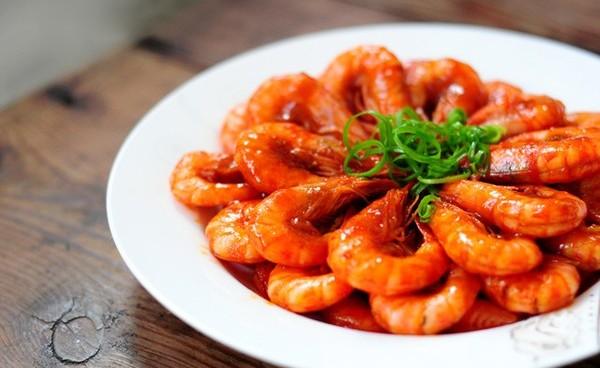 Món tôm rim sa tế cay, giàu canxi hỗ trợ tăng chiều cao 01