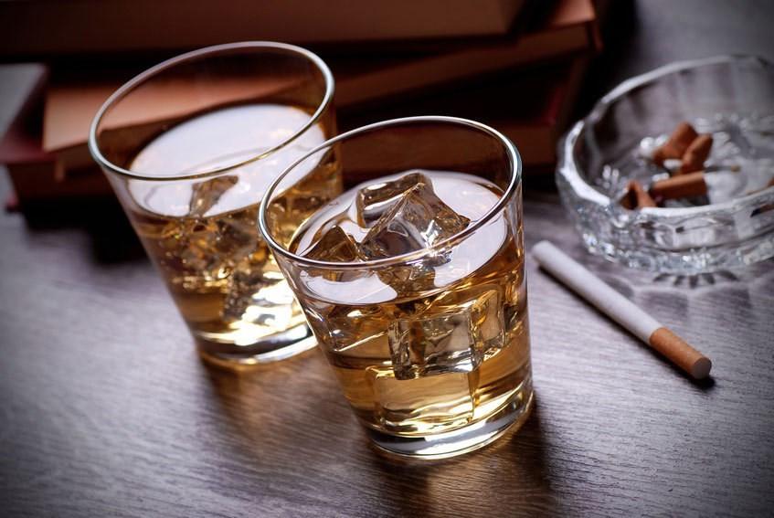 Rượu, bia, thuốc lá gây ức chế quá trình tăng trưởng của chiều cao