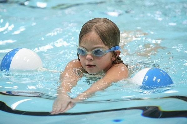 Bơi lội được xem là môn thể thao giúp tăng chiều cao hiệu quả nhất