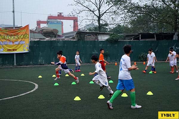 tập luyện thể thao để tăng cường khả năng phát triển chiều cao ở trẻ 13t