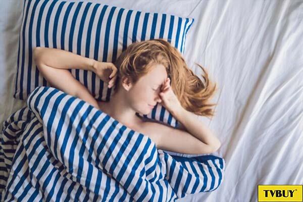 ngủ ngon và đủ giấc để cơ thể có thể tái tạo các tế bào bị tổn thương